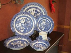 Churchill Blue Willow China - 6 piece plate setting service for 12 - new in box