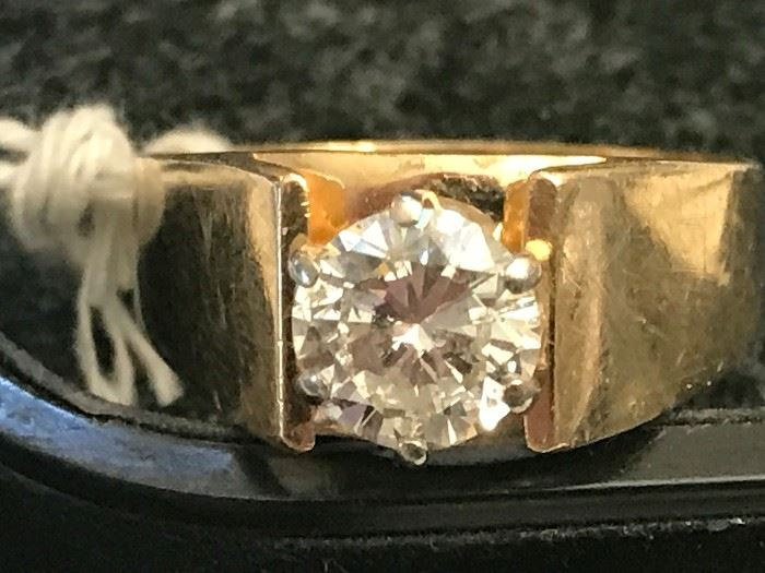 Aprox. 1 1/2 carat Diamond Ring set in 14K gold.  The stone is VS2 color H.  Polished, cleaned and ready to go!
