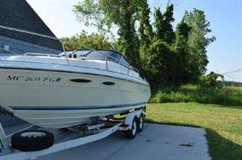 Sea Ray Cuddy Cabin 23.6 Feet with Trailer 75 gal tank