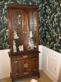 Glass Door Accent Cabinet (Lighted)