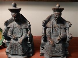 GREAT PAIR OF STATUES