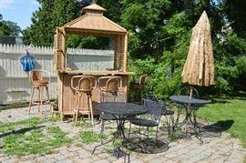 Outdoor Tiki Bar with Stools