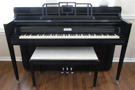 William Knabe & Co. Official Piano of the Metropolitan Opera since 1925.  Black Lacquer Spinet Piano with Bench 161471