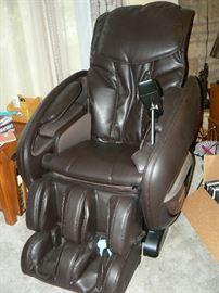 Cozzia Zero Gravity High Tech Massage Chair---LIKE NEW used twice