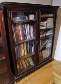 C/1890 Oak 2 door Bookcase w/Dental molding design