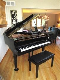 Wonderful high end Kohler and Campbell baby grand piano w/ bench in mint condition