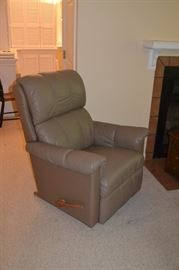 La-Z-boy Recliner, neutral beige