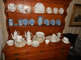 Sample of China, Royal Worcester Wedgewood...