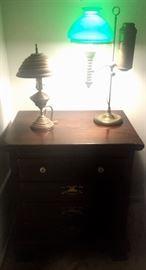 Ethan Allen side table 4 draws. 2 Antique Lamps.