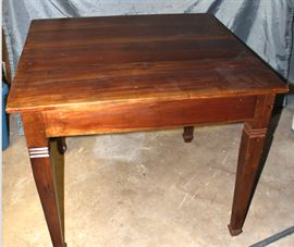 mahogany kitchen table