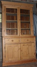 Large pine hutch, one-piece