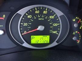 2007 HYUNDAI Tucson GLS. 4 door SUV. 121,500 miles.