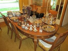 Immaculate dining table with six chairs