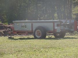 H&S 125 Manure Spreader