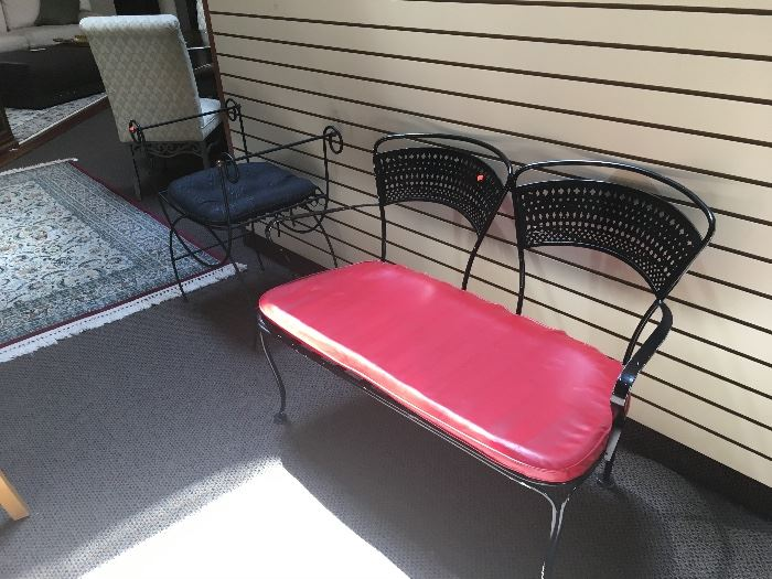 METAL BLACK AND RED PATIO BENCH