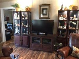 entertainment cabinets, flat screen TV