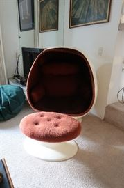 EGG CHAIR!