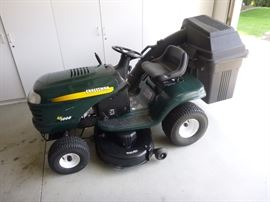 "Like New-Craftsman Lawn tractor 17.0 HP 42"" Mower"
