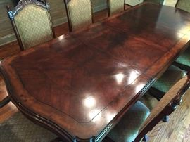 Scalloped Edge Distressed Carved Inlayed Mahogany Dining Room Table w/ 3 (21'') Leaves (70'' x 43'')