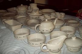 LONGABERGER Pottery, Service for 8 plus Completer Pieces, Made in USA