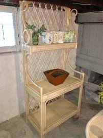 rattan baker's rack