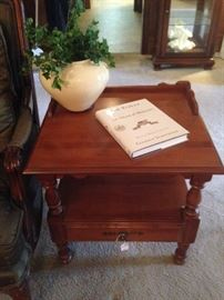 Two-tier end table