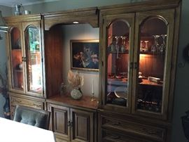 Display cabinet w/lighted bridge