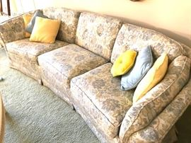 Furniture2BCouch
