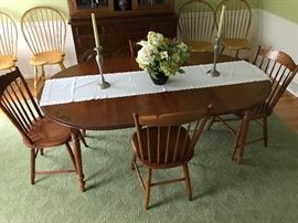 Hitchcock Dining Table with 2 leaves and 4 matching chairs