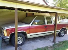 1990 GMC 1500 6 cylinder Pick up truck