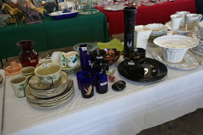 Dinnerware, vases, blue Christmas glasses