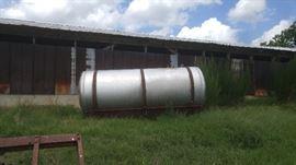 #31 - 1000 Gallon Fertilizer tank