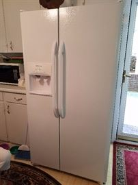Like New, (approx. 2 years old) White Side by Side Digital Refrigerator