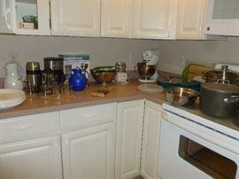Kitchen aid mixer, coffee pot