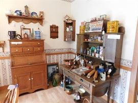 DSCN8505 5352RobinsonSale, potbelly kitchen cabinet, for baking, advertising, corner shelf, majolica, baskets