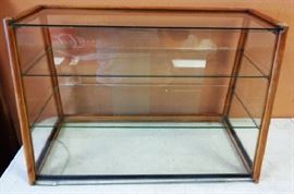 Vintage Counter Top Display Case (has a crack in the bottom piece of glass)