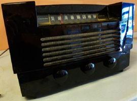 Vintage RCA Victor- Model RC1038A