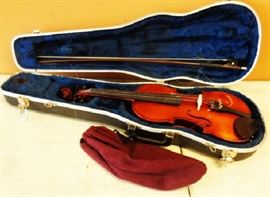 Luby, Czech Republic Lidl Violin, Model 220, Size 4/4