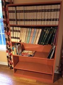 4 Bookshelf Front