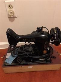 7 Vintage Sewing Machine