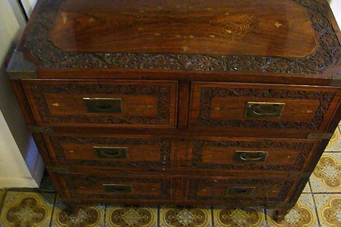Inlaid small chest