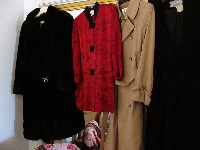 Part of a huge selection of vintage womens clothing