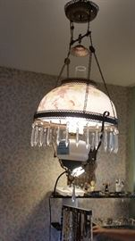 Victorian Parlor lamp (electrified)