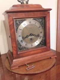 Seth Thomas Mantel clock with key