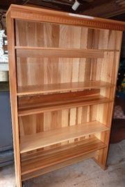 5 Shelve large bookcase