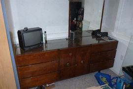 American by Martinsville Triple Dresser with Mirror