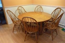 """Thomasville 64"""" Oak Round Drop Leaf Table with 6 Windsor Chairs"""