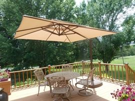 Patio 5piece Beige/Tan powder coat set and Off set umbrella