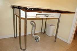 Really sweet enamel top table