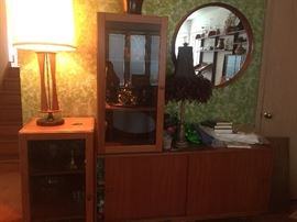 Beautiful retro buffet with glass shelves that can be moved for different set up… Excellent condition